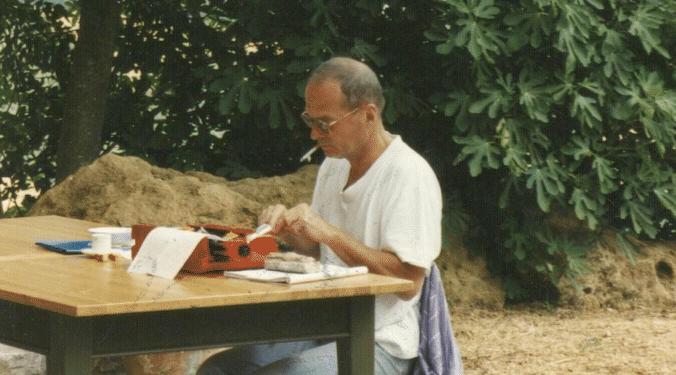 Wolf Wondratschek beim Schreiben der Kelly-Briefe in Semproniano
