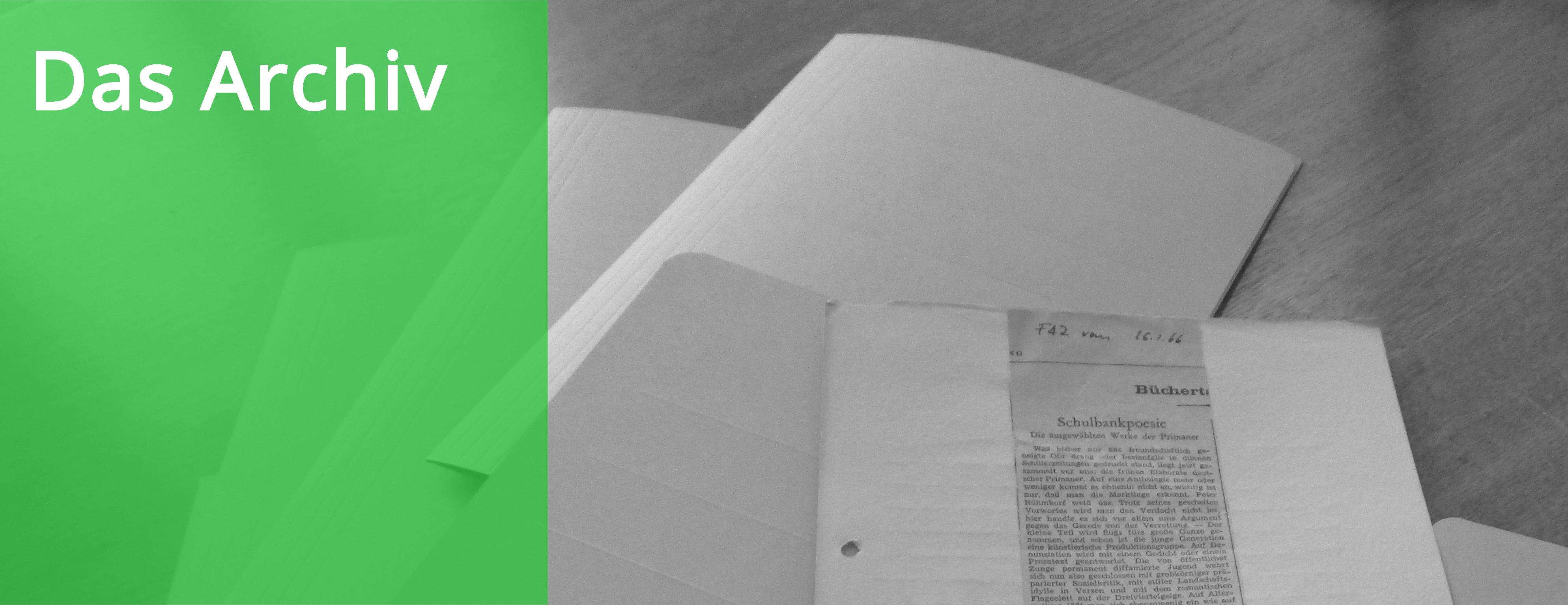 Zeitungsausschnitt mit Archivmappen im Meyerhuber-Wondratschek-Archiv